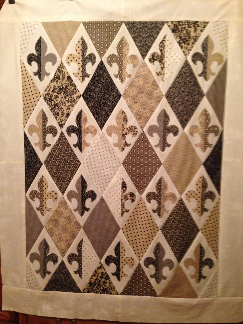 Black and Gold Fleur de Lis Quilt